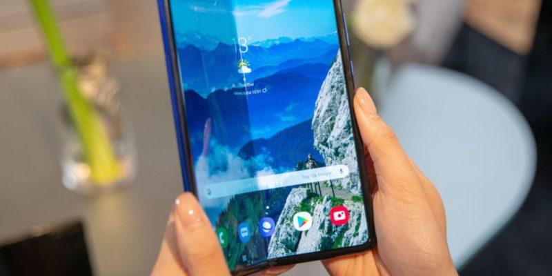Samsung дисплей що гнется