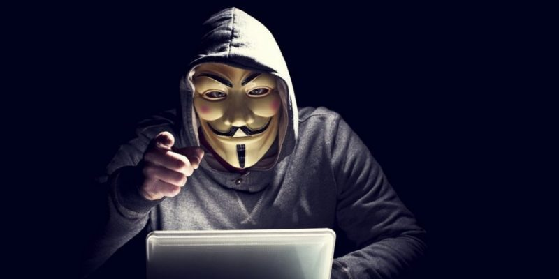 Хакер обіцяв обнулити облікові записи