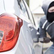 iPhone допоміг дівчині повернути викрадену машину