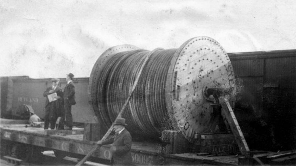 перший трансатлантичний кабель